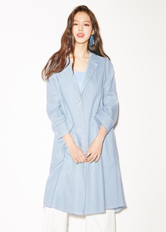 라이트 블루 코트