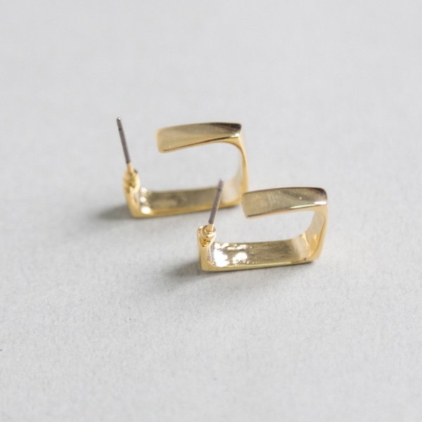 (E-1232)스퀘어 골드 귀걸이