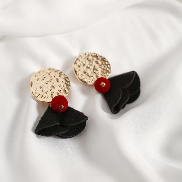 (E-1261)골드 플레이트 벨벳 믹스 귀걸이