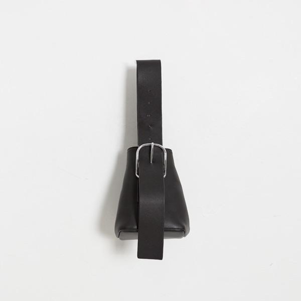 (B-1897)스트랩 포인티드 버킷 백