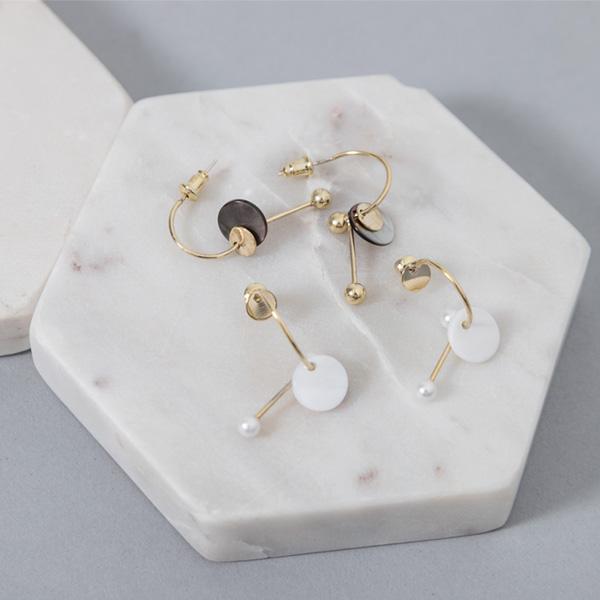 (E-1328)유니크 메탈 라인 귀걸이